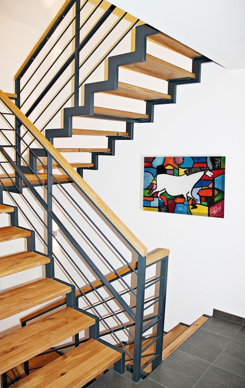 Wo Gutes Design Und Handwerklicher Qualitätsanspruch Aufeinander Treffen,  Ist Der Übergang Von Der Treppe Zum Kunstwerk Fließend.