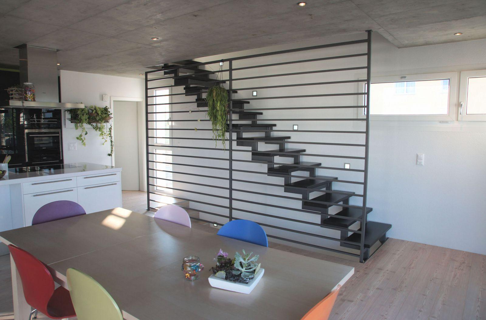 gerade treppen aus stahl und holz stadler treppen. Black Bedroom Furniture Sets. Home Design Ideas