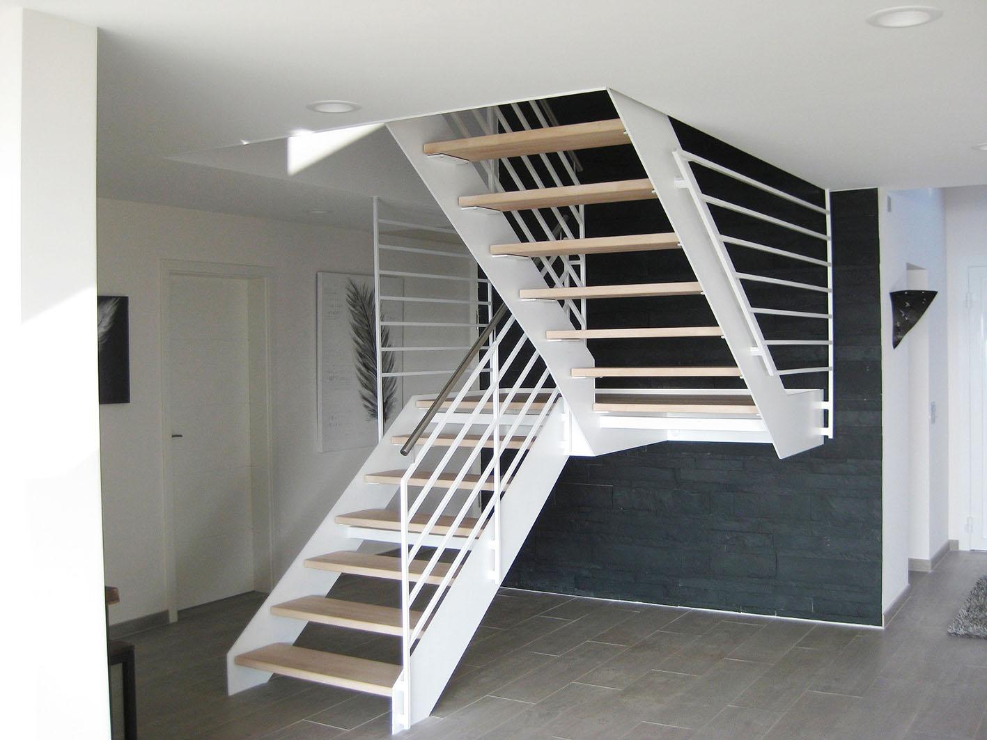 ma geschneiderte podesttreppen stadler treppen. Black Bedroom Furniture Sets. Home Design Ideas