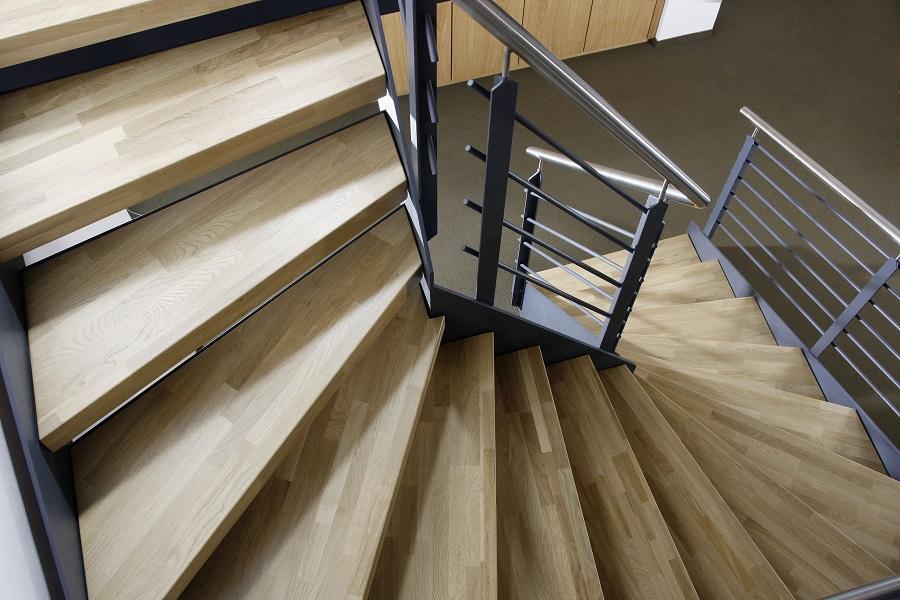 treppenstufen aus holz treppenstufen aus holz hersteller. Black Bedroom Furniture Sets. Home Design Ideas