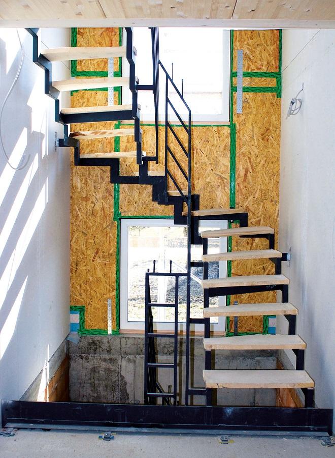 treppen aufbau freitragende treppen aufbau und allgemeine informationen treppe berechnen. Black Bedroom Furniture Sets. Home Design Ideas