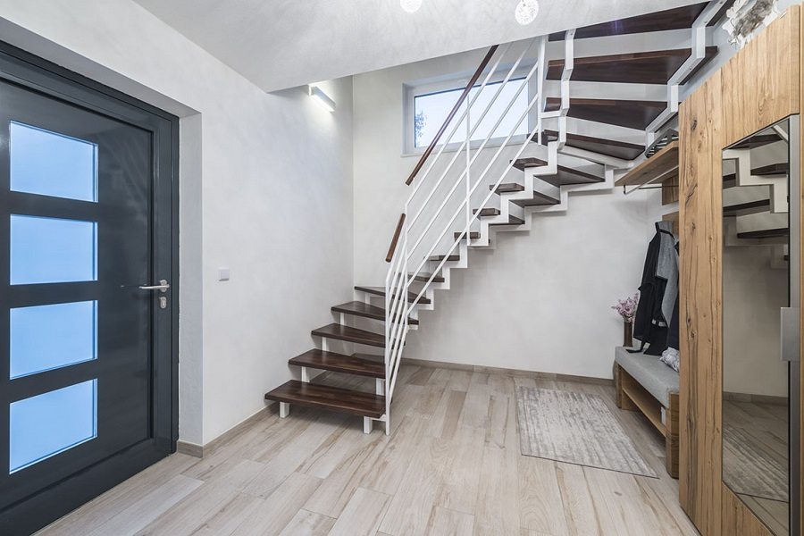 Treppe streichen f r bessere optik ihrer treppenanlage for Streichen mit schwamm